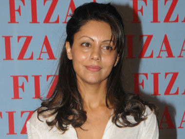 Dressed casually, with minimal makeup, sans any bedazzling jewels on her person, Gauri Khan cut an elegant picture. Raju Shelar/Firstpost - GauriKhan_RajuShelar