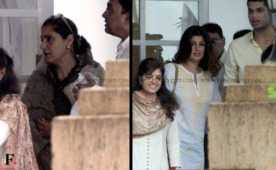 Dimple Kapadia and Twinkle Khanna at the memorial service. Firstpost