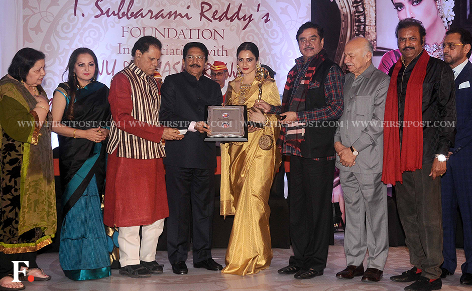Rekha is awarded the 3rd National Yash Chopra Memorial Award at the hands of Maharashtra Governor Dr Vidyasagar Rao. Also on stage are Pamela Chopra, Shatrughan Sinha and Sushilkumar Shinde, among others. The award has been instituted by the TSR Foundation of T Subbarami Reddy in memory of the producer-director, who died in 2012. Previous winners of the award are Lata Mangeshkar and Amitabh Bachchan. Firstpost/Sachin Gokhale