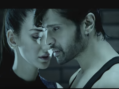 Himesh Reshammiya in the trailer. Screenshot from YouTube video.