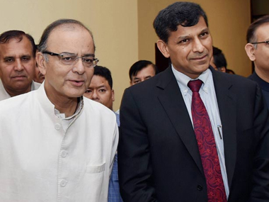 Arun Jaitley (Left) and Raghuram Rajan. PTI