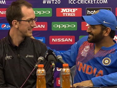 MS Dhoni with the Australian journalist who asked him about his retirement. Youtube screengrab