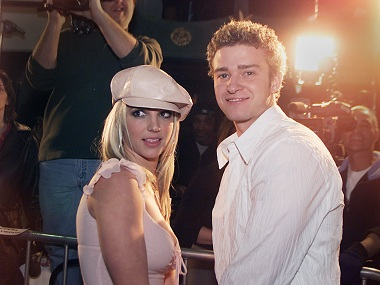 Britney Spears and boyfriend Justin Timberlake in 2002. (photo by Kevin Winter/Getty Images)