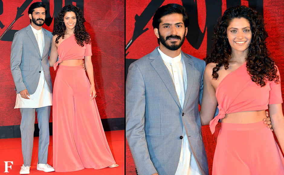 The music launch of 'Mirzya' saw the etire Kapoor clan turn up to support actor Harshvardhan kapoor, who is making his debut with the Rakeysh Omprakash Mehra film. This is also the first film for Harsh's co-star Saiyami Kher. Image by Sachin Gokhale/Firstpost