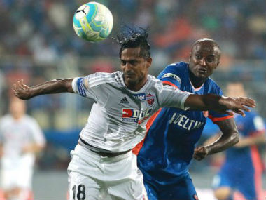 Ravanan Dharmaraj (left) was also fined Rs 40,000 by the AIFF. Image courtesy: ISL via Twitter.