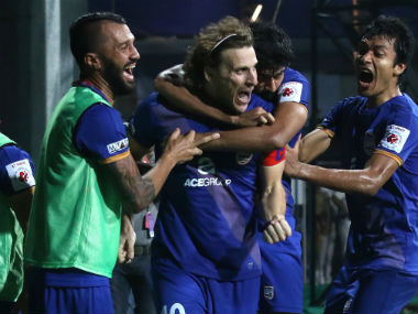 Mumbai's big advantage is that their marquee player Diego Forlan has been in form. Twitter/ @MumbaiCityFC
