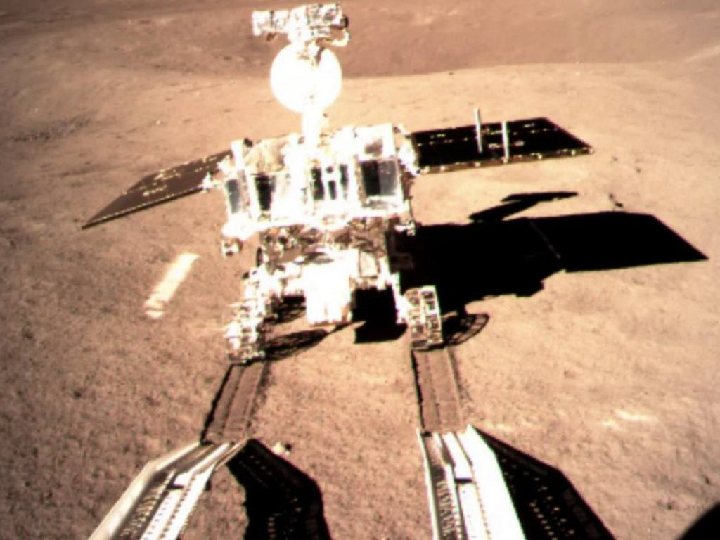 China's Jade Rabbit-2 rover making its first wheel tracks on the far side of the moon on 3 January, 2019, after rolling down from the Chang'e 4 lander. Image courtesy: CNSA