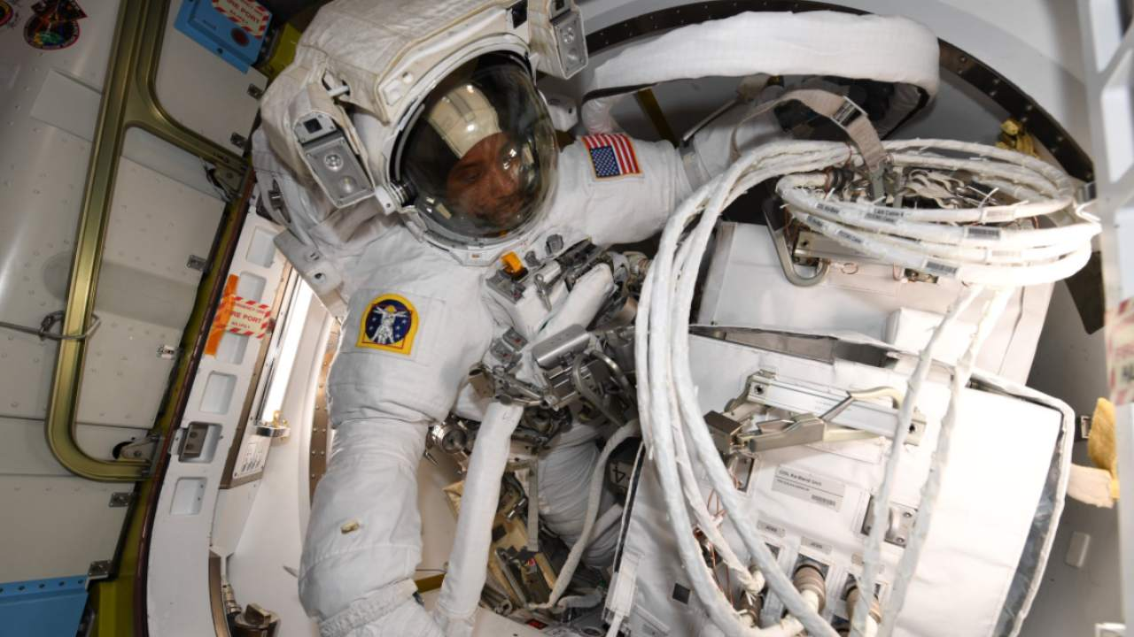 NASA astronaut Victor Glover dons his spacesuit and gets ready to exit the ISS for a spacewalk. Image credit: Twitter @Astro_Jessica ·