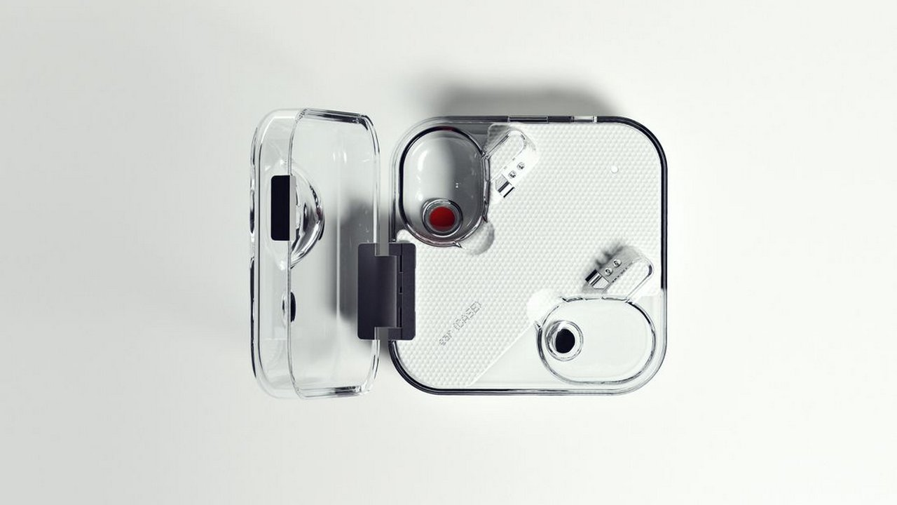 Nothing Ear (1) earbbuds case. Image: Cnet