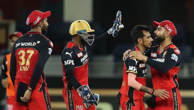 Though it looked like Mumbai's opening pair were going to lead the team to victory, Yuzvendra Chahal engineered a breakthrough for RCB, as he picked up the wicket of de Kock in his very first over. Sportzpics