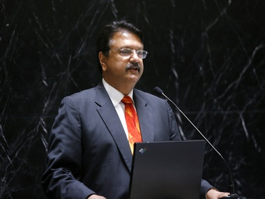 Piramal begins hunt for distressed road projects